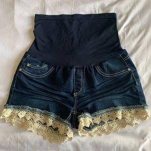 Bella Vide maternity shorts